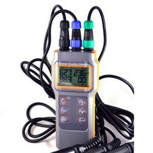 AZ Instrument 8602 PH/ Cond./ Salinity/ DO Meter